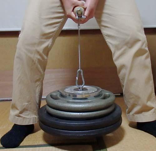 自作トレーニン器具で握力強化